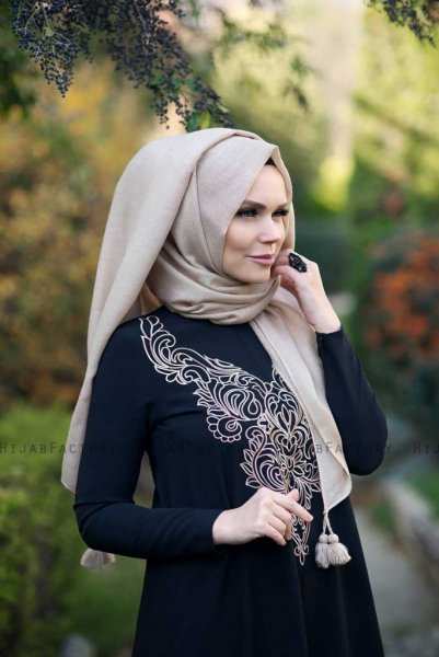 Queen Beige Hijab Muslima Wear 300111a